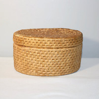 Oval Grass Basket with Lid, Woven Storage Box