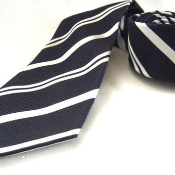 Edoardo de Giorgi pure silk navy blue tie with white stripes - Italian tie - Italian high fashion - Classic tie, Mens wear, Casual accessory