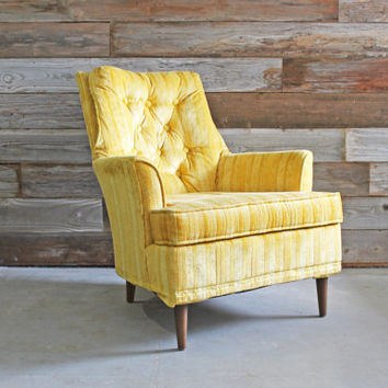 Pair Vintage Yellow Mid Century Hollywood Regency Club Arm Accent Tufted Chairs Seating