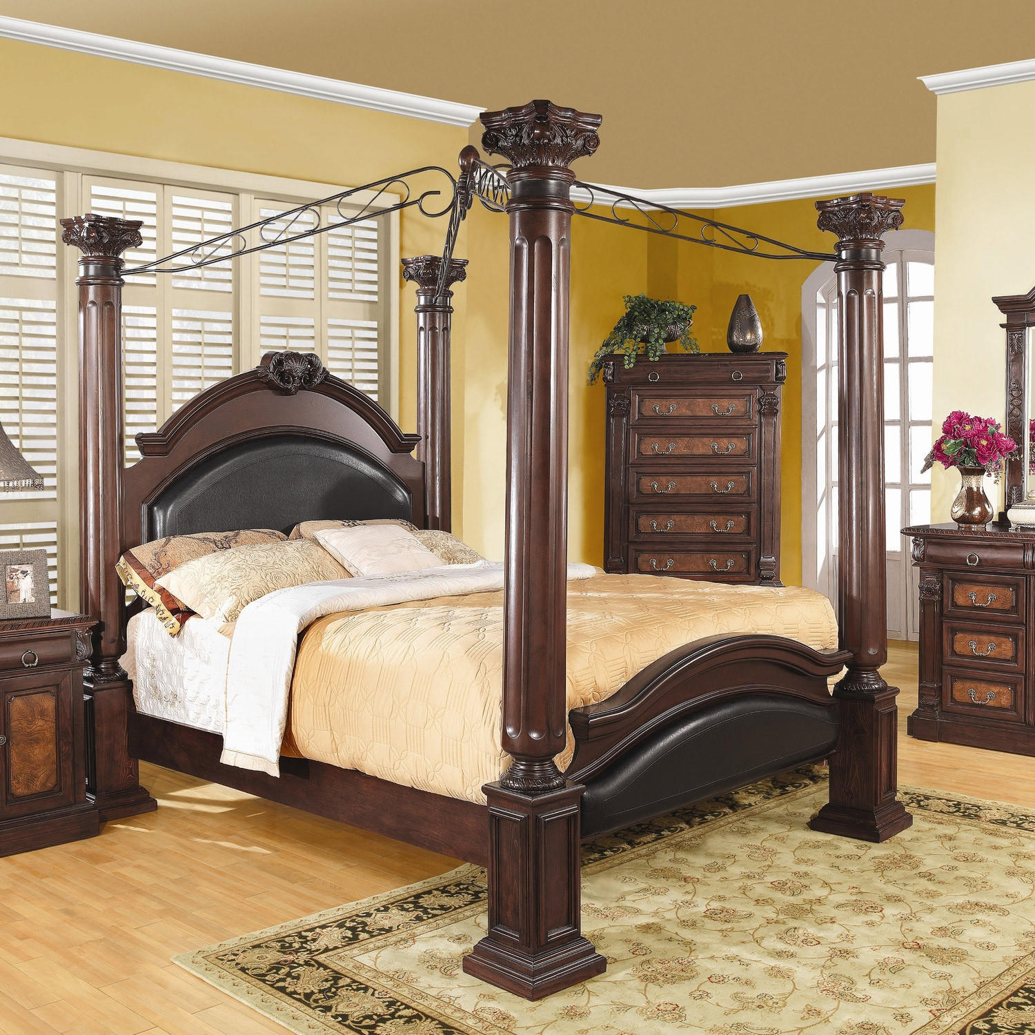 King Size 4 Poster Canopy Bed with Large from Hearts Attic 354ba13b7e