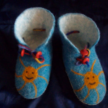 Handmade Felt Baby Slippers Booties Blue Sun by zinafelt on Etsy