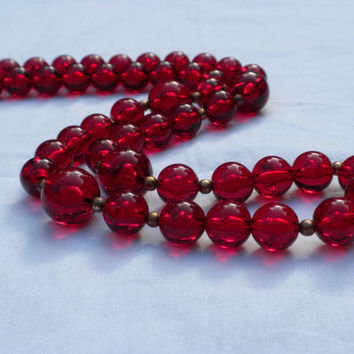 Cherry Red Bead Necklace, 1960s Red Necklace, Red Beaded Necklace, Mid Century Modern, Mod Jewelry, Bright Red Necklace, Red Jewelry