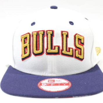 New Era Men's 950 Chicago Bulls White/Gold/Blue Snap-Back Hat One Size