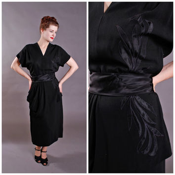 Vintage 1940s Dress - Appliqued Rayon Peplum Dress with Satin Sash - Black Orchid