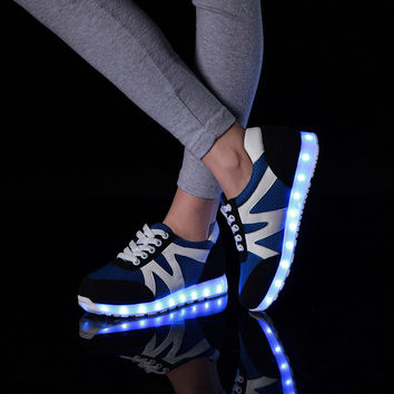 Casual Sports Noctilucent Couple Lightning Flat LED Shoes [4964953668]