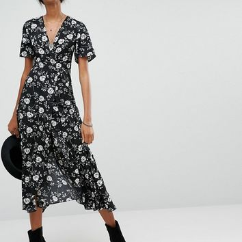 Glamorous Tall Maxi Dress In Oversized Floral at asos.com