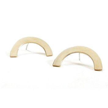 Annie Costello Brown - Medium Arc Earring