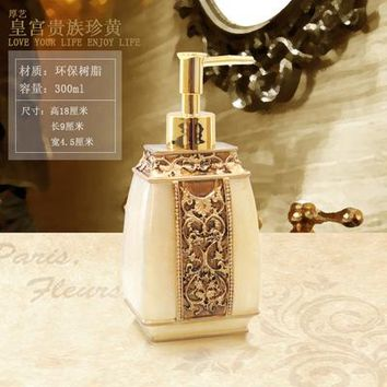 Hot-selling hand sanitizer in the bottle resin emulsion bottle fashion bathroom shower gel soap dispenser liquid lotion box