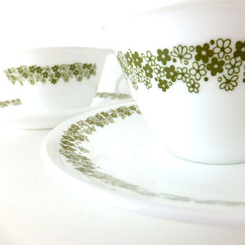 4 Vintage Corelle cups and saucers in Spring Blossom Green