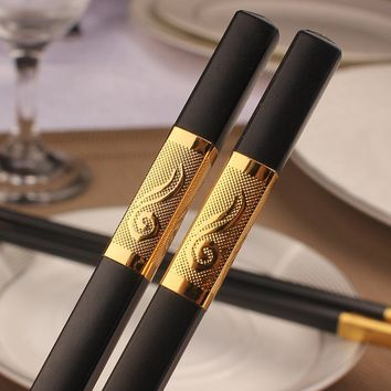 The Hotel Restaurant USES The Alloy Chopsticks Environmental Protection Gift Stainless Steel Chopsticks.