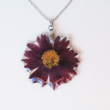 Real Flower Resin Pendant , Handmade Pressed Flowers Jewelry, Botanical Real Plant Jewelry, Chrysanthemum flower