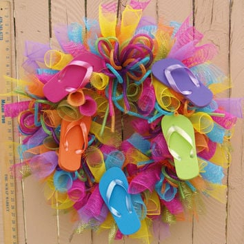 Summer Flip Flop Deco Mesh Wreath by SouthernAccentsEtc on Etsy