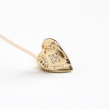 Vintage Yellow Gold Filled Flower Heart Locket Necklace - Art Deco 1940s Sweetheart Floral Romantic Love Repousse Pendant Jewelry