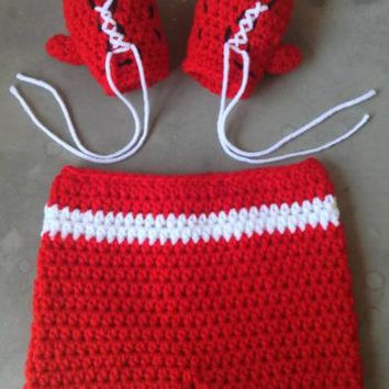 Baby boxer set, crochet baby boxing gloves set, newborn prop, photo prop