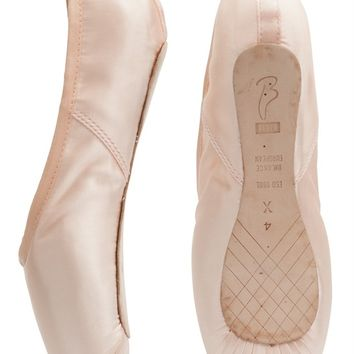 Bloch 160 European Balance Pointe Shoe, fantastic price, same day despatch - Dancing in the Street