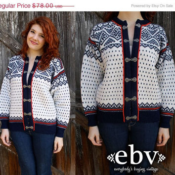 ON SALE Vintage 80's Norwegian Pure Wool Sweater Jumper M L