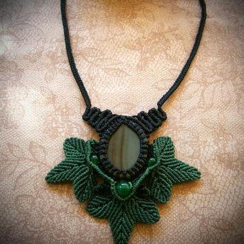 MACRAME NECKLACE FOREST, Agate and green Jade gemstones. Handmade.