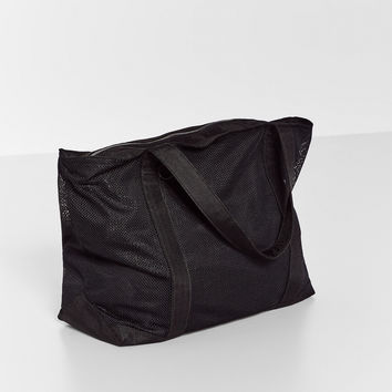 LARGE MESH FABRIC SPORTS BAG DETAILS