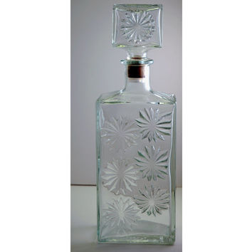 Vintage Glass Decanter - Liquor Bottle - Cheerful Daisy Pressed Pattern - Thatcher Glass Company