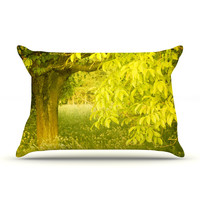 "Iris Lehnhardt ""Summer"" Tree Green Pillow Sham"