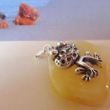 Natural Baltic #Amber #Lucky #Frog #Toad #amulet talisman #Pendant #souvenir figure bead #gift present yellow egg yolk