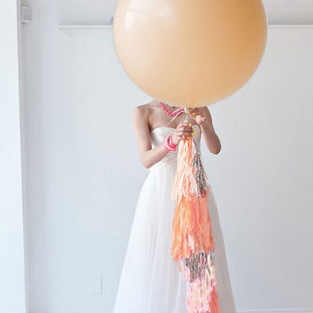 Blush Balloon with Tassel, Champagne Balloon, neutral Balloon, Giany Facy Frill Balloon, Balloon with Tassel Garland
