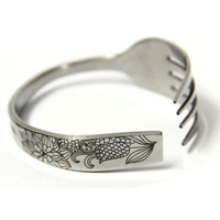 Original Cornflower Fork-shaped Bracelet from The Geek Heaven