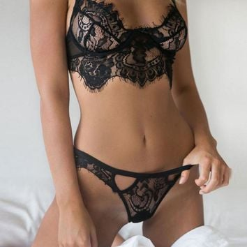 Sexy Women's Black or White Lingerie Lace Babydoll Wireless Bra with G-string