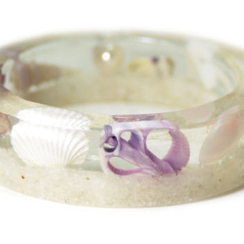 White Bracelet- Sea Shell Bracelet- Beach Jewelry- Resin Jewelry- Beach Bangle- Seashell Bracelet