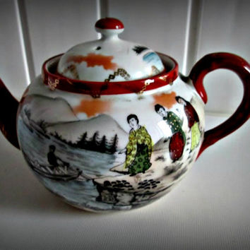 Gorgeous Japanese  landscape porcelain Teapot Geisha girl Antique, home decor
