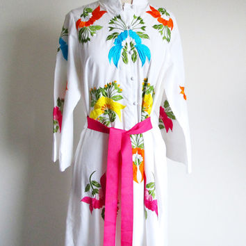 Vintage Embroidered Robe, 70s Lounge wear, Hostess Dress, Maxi Hippie Dress, Pool Side Beach Dress