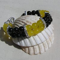 "Black Onyx & Yellow Agate Gemstone Crystal Bracelet - ""Lemon Caipirinha"""