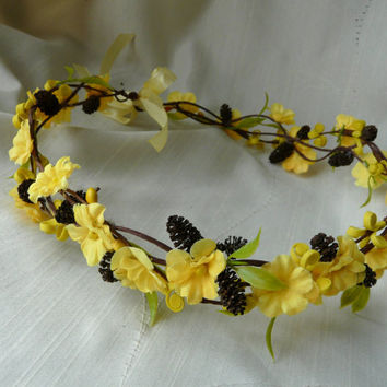 Yellow Flower Crown, Music Festival Hair Crown, Flower Hair Garland, Pinecone Head Wreath, Flower Girl Floral Crown