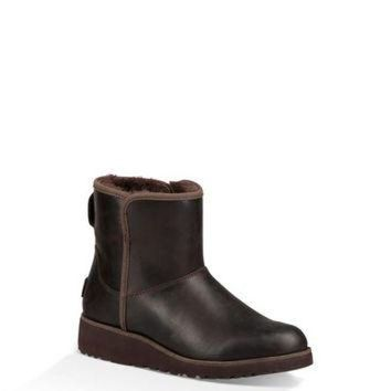 LNFNO UGG Australia Women's Kristin Leather Classic Boot | Stout