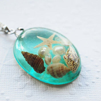 The Mermaid's Necklace 02 Oval Nautical Jewelry Resin Starfish Tiny Seashells Aqua Specimen Necklace Fairy Tale Fantasy Unique Handmade