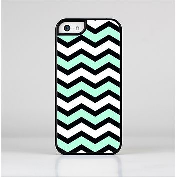 The Teal & Black Wide Chevron Pattern Skin-Sert for the Apple iPhone 5c Skin-Sert Case