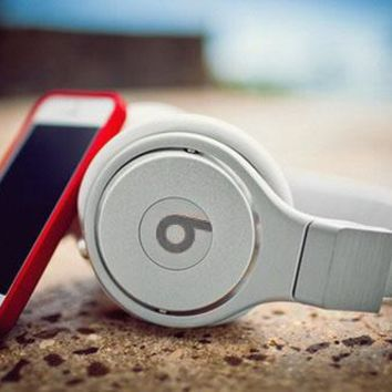 Beats Solo 3 Regardless of age Wireless Magic Sound Bluetooth Wireless Hands Headset MP3 Music Headphone With Microphone Line-in Socket TF Card Slot For Couple White