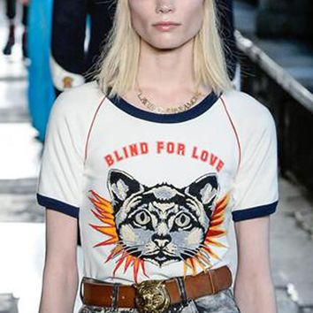 Gucci cartoon cat letters printed shoulder sleeve short sleeve T-shirt white