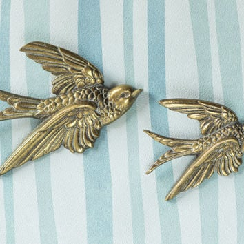 Vintage Swallow Bird Wall Art -  Set of 2 Brass Swallows - Flying Bird Decoration - Wall Bird Plaques Mid Century - Swallows British Vintage