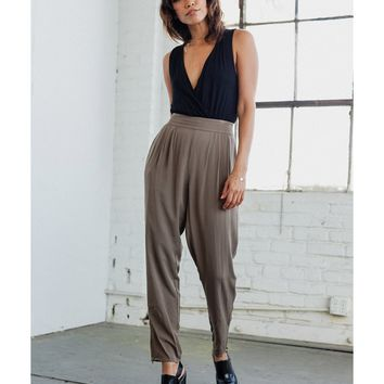 Concrete Runway Pleated Loden Pants | Bluefly.Com
