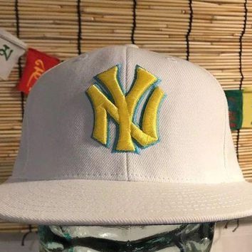 New York Yankees American Needle Snapback Vintage Hat Baseball Cap White