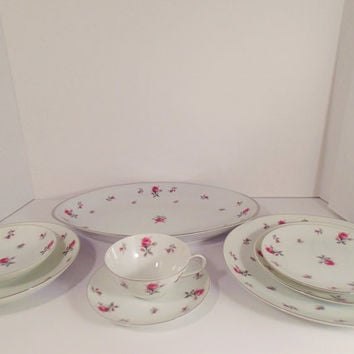 China Dinnerware set Rosechintz by Meito, 51 piece Service for 8 Delicate Pink roses, on white, platinum rim