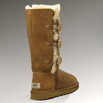 UGG: three button snow boots-4