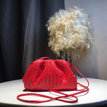 Kuyou Gb59819 Bottega Veneta Bv Pouch In Maxi Intreccio Soft Voluminous Clutch In Woven Leather Red Bag Size£º22x12x7cm