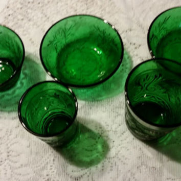 Anchor Hocking 5 piece matching bowls and juice glasses in Forest Green Vintage Green Glass
