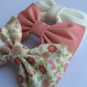 Winter white, pale coral, and pale pink floral bow lot for fall.  Seaside Sparrow hair bows make the perfect gift.