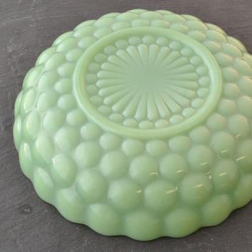 Jadeite Bubble Bowl - Serve Bowl - Jadite Fire King - Anchor Hocking - Bubble Pattern - Fruit Bowl - Mint Green
