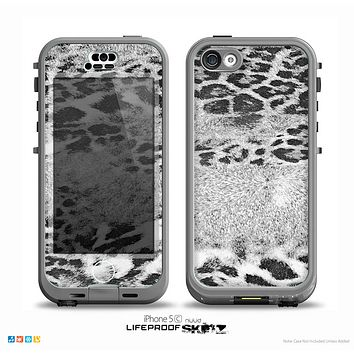 The White and Black Real Leopard Print Skin for the iPhone 5c nüüd LifeProof Case