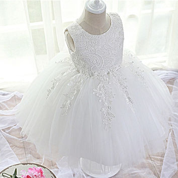 1 Year Baby Girl Birthday Dress Brand Newborn Wedding Dresses Toddler Girl Party Clothes Beautiful Lace Crochet Christening Gown
