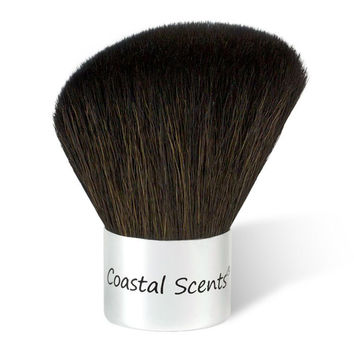 Classic Kabuki Angle Brush Natural